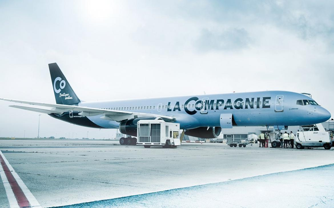 A french business class only airline is offering a 40k for Flights to paris from new york