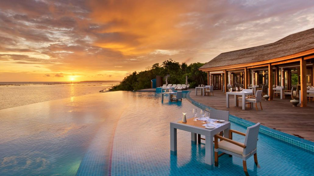 dining-sunset-pool-cafe-4-1030x579