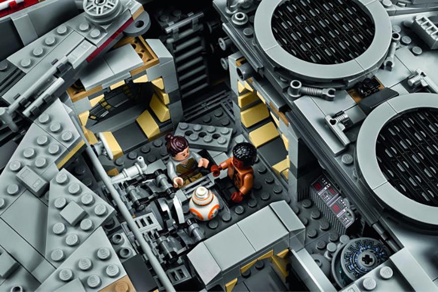 millennium-falcon-lego-set-04