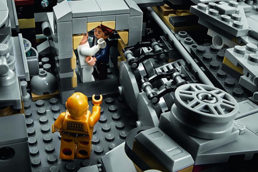 millennium-falcon-lego-set-05