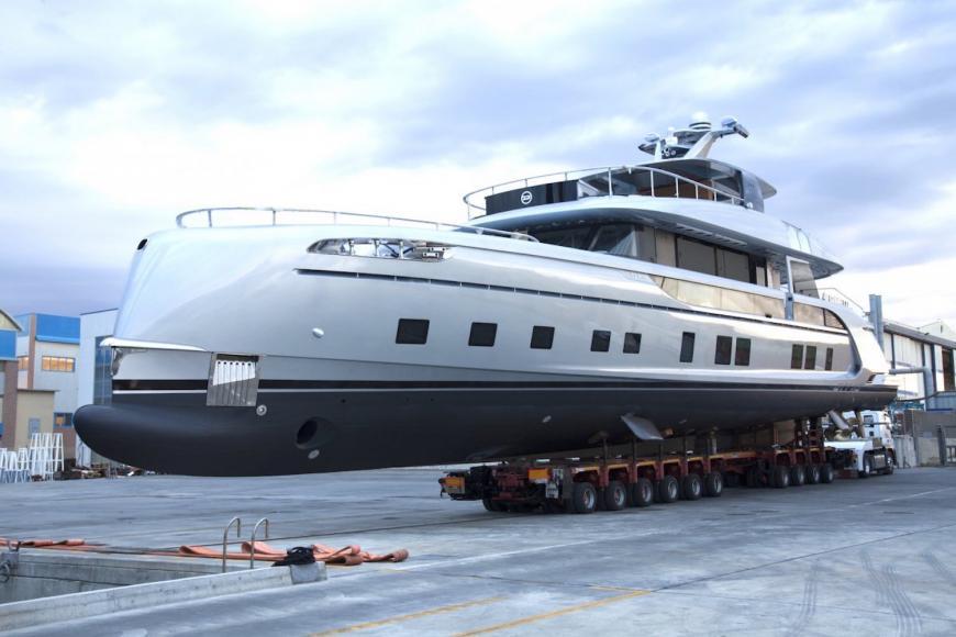 porsche-gtt-115-hybrid-yacht-02