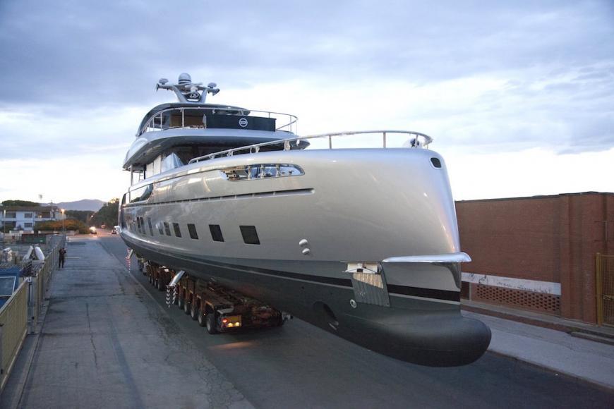 porsche-gtt-115-hybrid-yacht-03