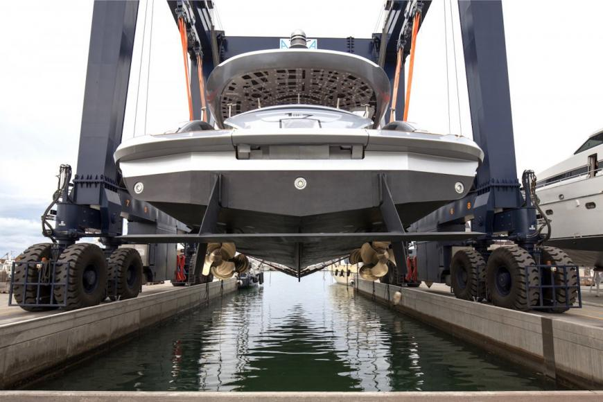 porsche-gtt-115-hybrid-yacht-07