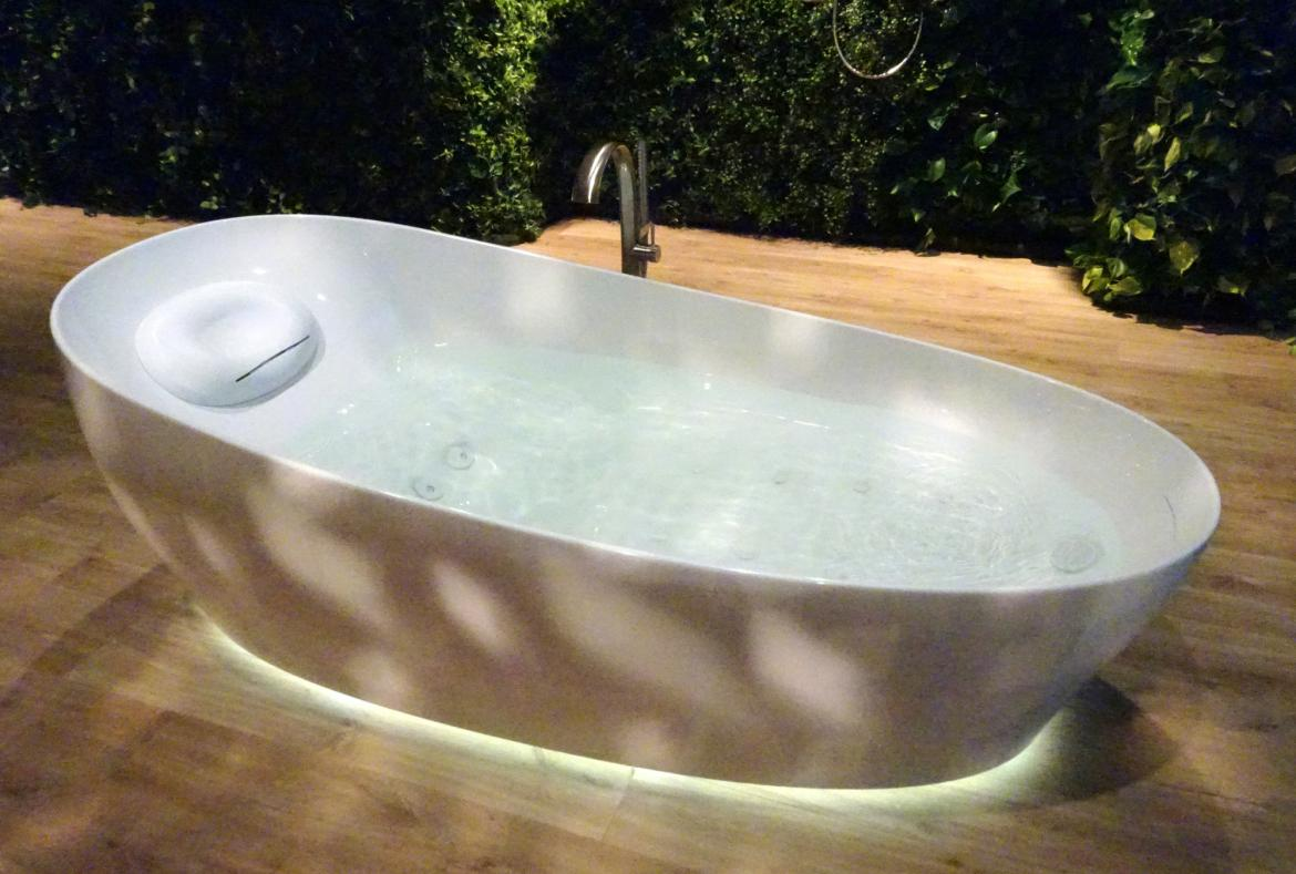 This bathtub from Toto will let you experience floating on water -