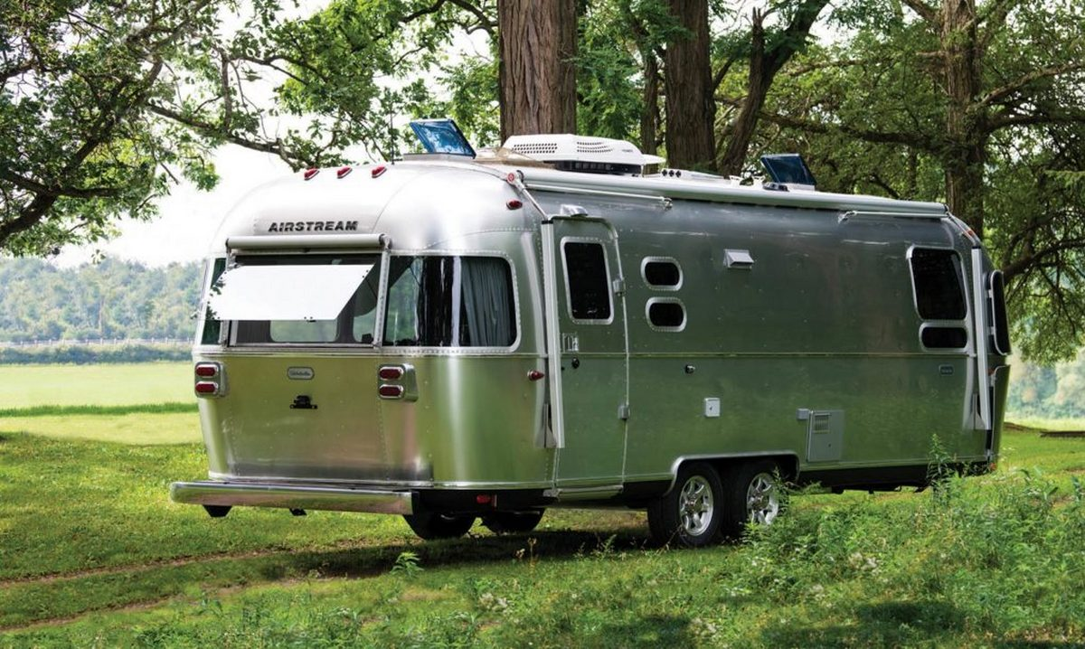 Airstream's new 27-foot Euro-styled silver trailer harkens back to the company's origins