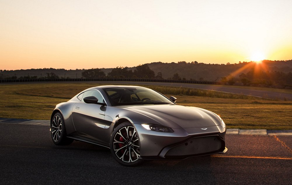 Feast your eyes on the all-new 2019 Aston Martin Vantage