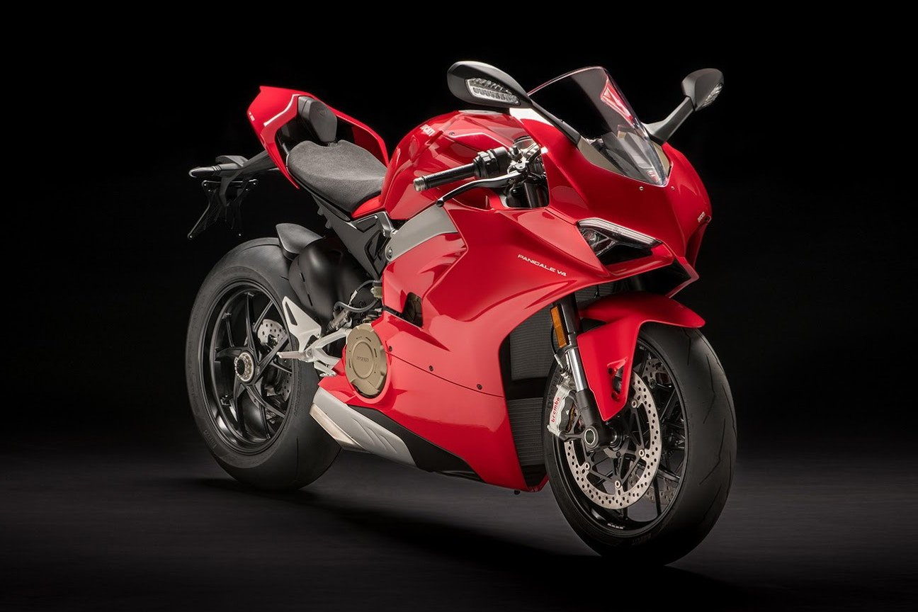 The new flagship Ducati Panigale V4 breaks cover and it's super hot