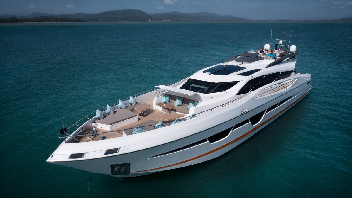 5 of the most luxury yachts for charter in South-East Asia luxury yachts 5 Of The Most Luxury Yachts for Charter in South-East Asia Dolce 1
