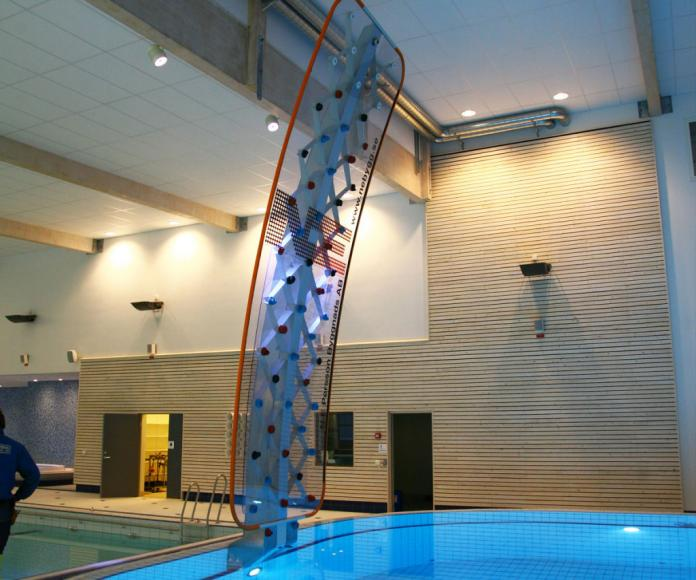 poolside-rock-climbing-wall (3)