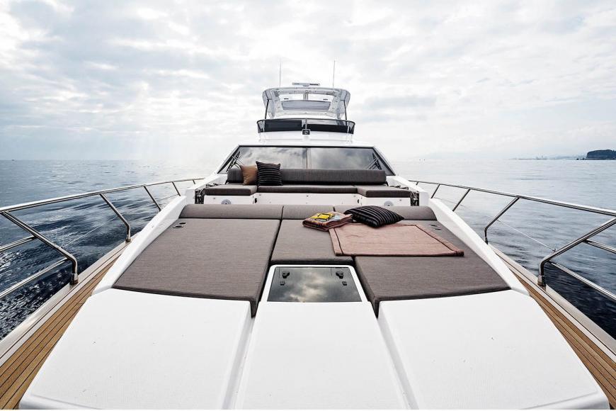 St Regis Maldives Luxury 20 Metre Yacht (2)