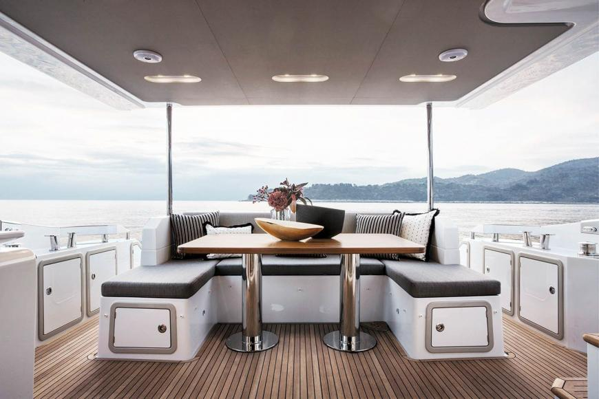 St Regis Maldives Luxury 20 Metre Yacht (3)