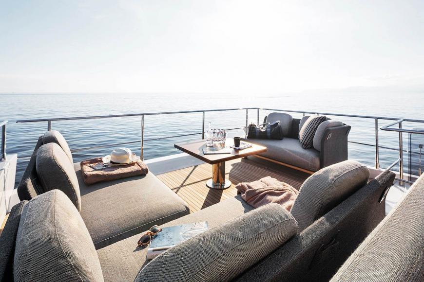 St Regis Maldives Luxury 20 Metre Yacht (4)