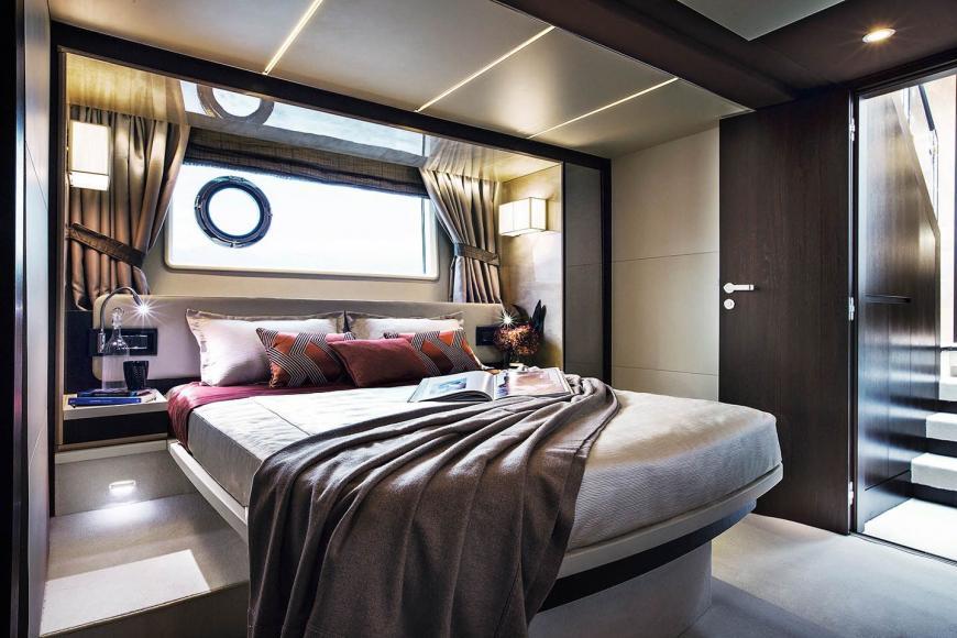 St Regis Maldives Luxury 20 Metre Yacht (7)