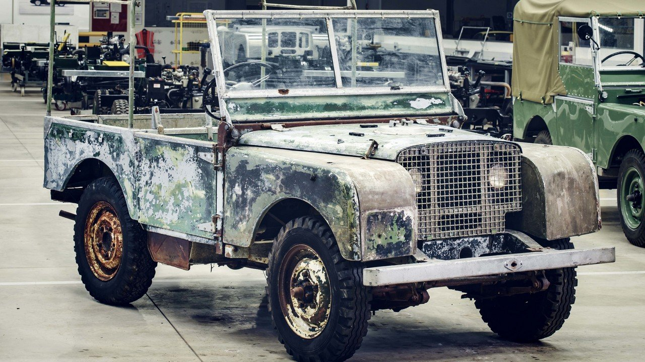 the first land rover ever made to be restored to celebrate the brand s 70th anniversary. Black Bedroom Furniture Sets. Home Design Ideas