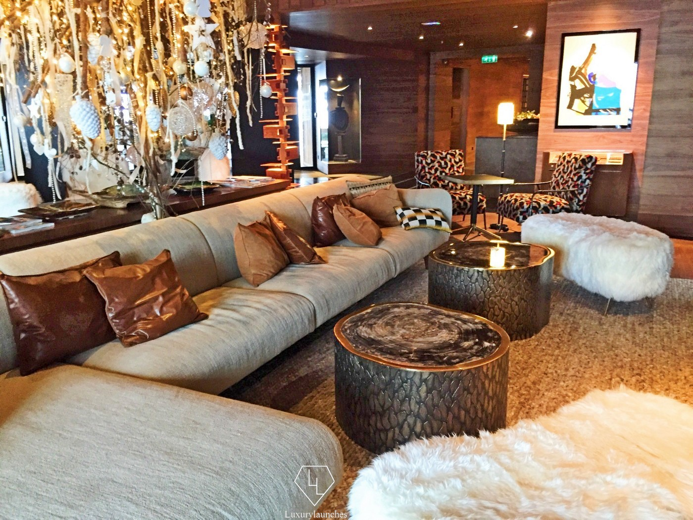 Four seasons hotel meg ve an authentic introduction to for Hotels 3 etoiles megeve