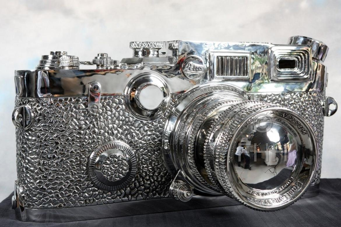 This Fake Leica Sculpture Is Selling For 100 000 On Ebay