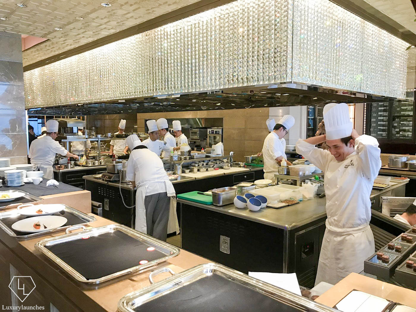 Review Caprice At The Four Seasons Hotel Hong Kong A