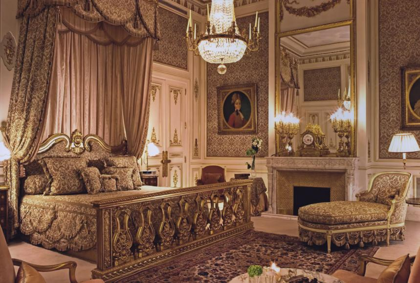 Chambre de la Suite Impériale, dans les années 1980 @Archives Ritz