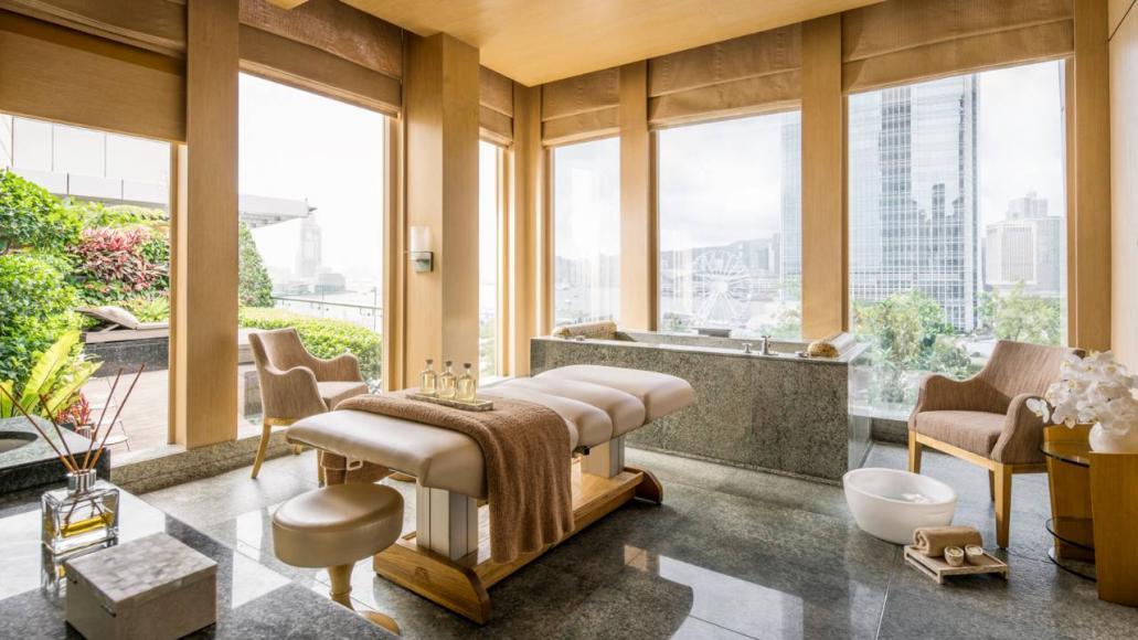 Four Seasons Hotel Hong Kong (1)