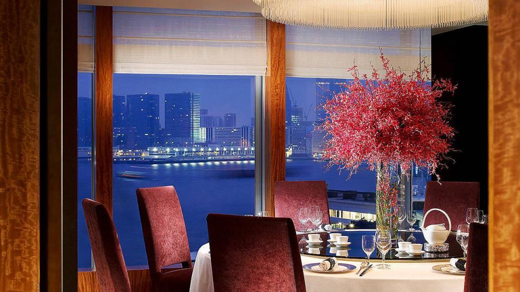 Four Seasons Hotel Hong Kong (2)