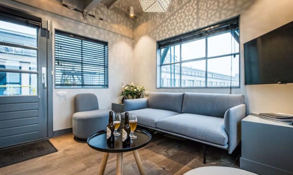 The-Yays-Crane-Apartment-11-1020x610