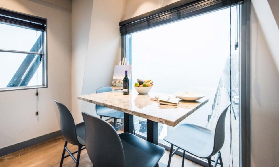 The-Yays-Crane-Apartment-3-1020x610