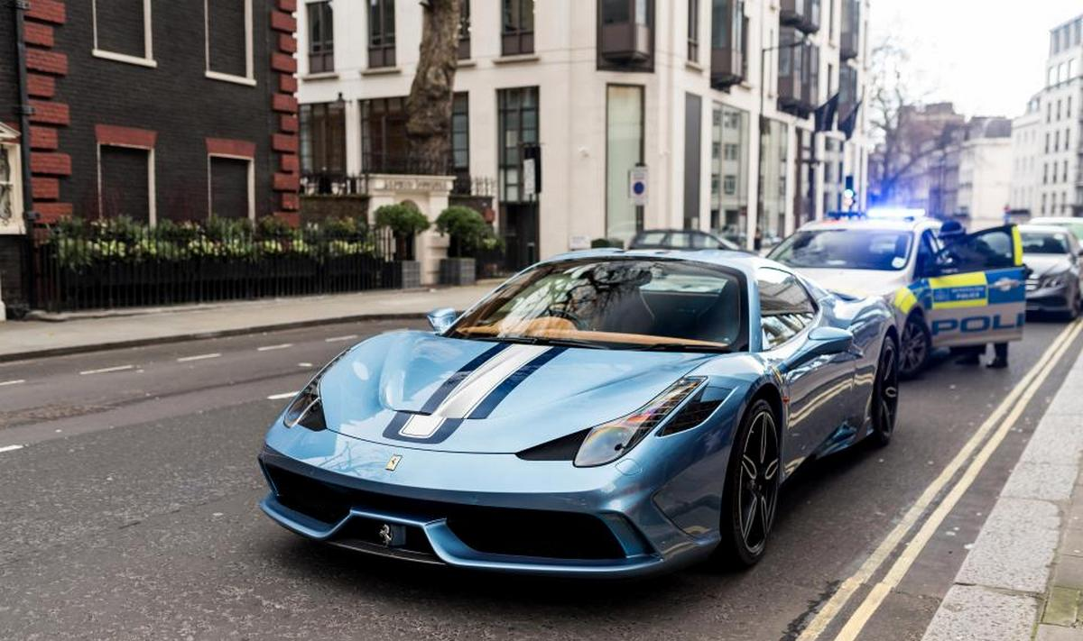 Pics - A $700,000 limited edition Ferrari is towed for not having insurance : Luxurylaunches