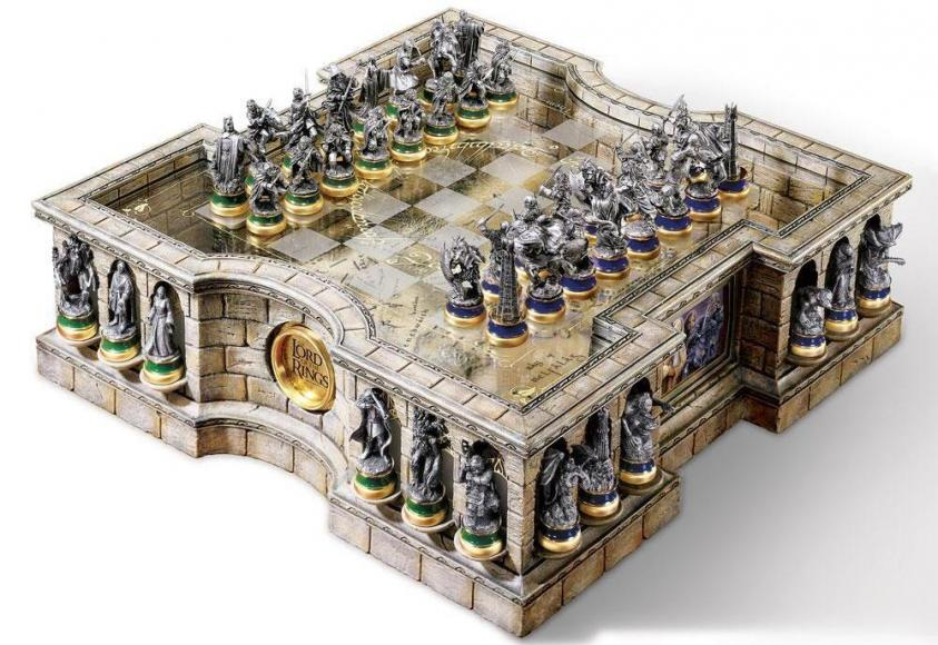 the-lord-of-the-rings-collectors-chess-set (1)