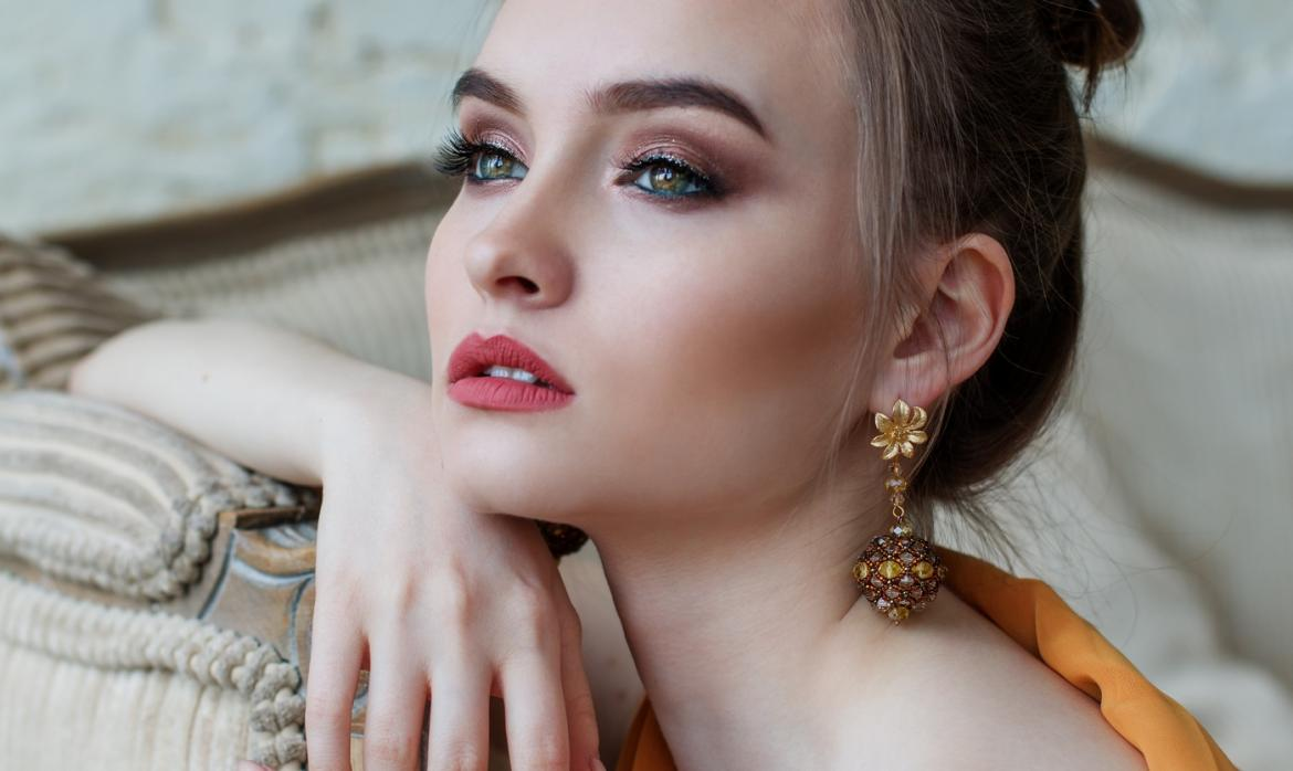 If you want to treat a special woman in your life, you should try buying  her jewelry. If you do not even know where to start with this, here are  some tips ...