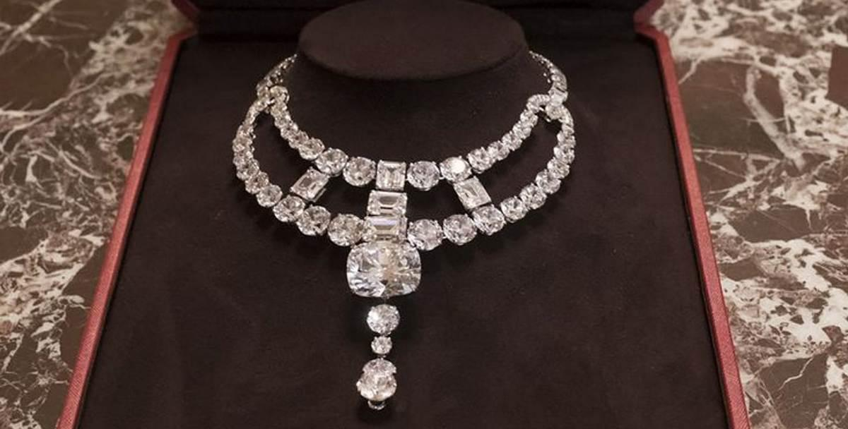 this is the jawdropping cartier diamond necklace which