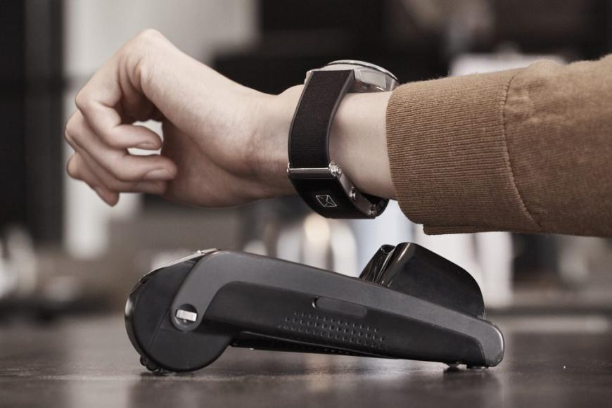 Risultati immagini per Montblanc launches a new version of e-Strap with improved design and wireless payment FOTO