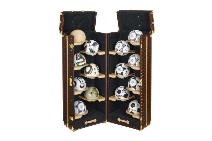 louis-vuitton-fifa-trophy-case (3)
