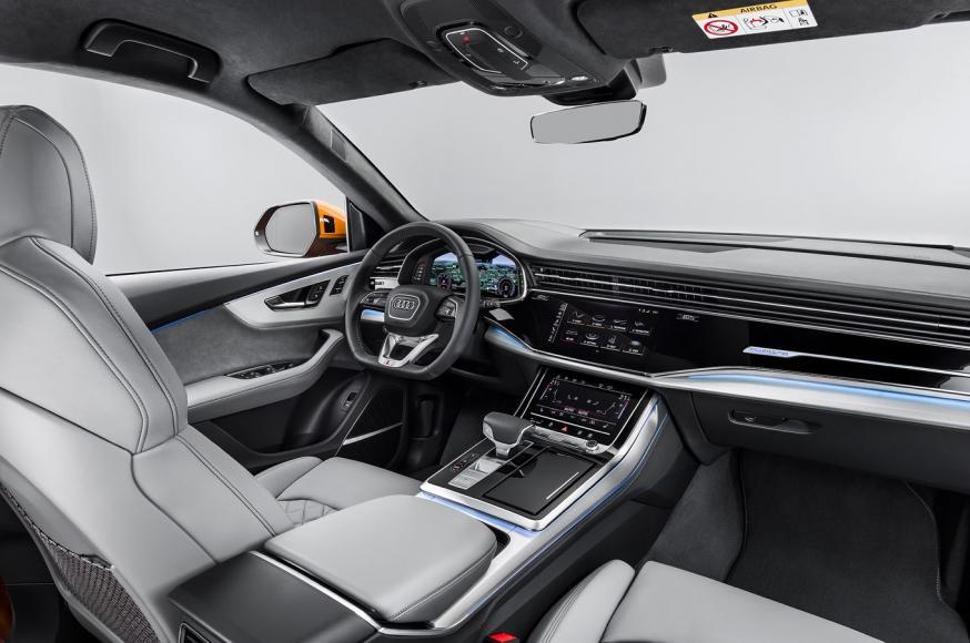 2019-Audi-Q8-front-interior-01