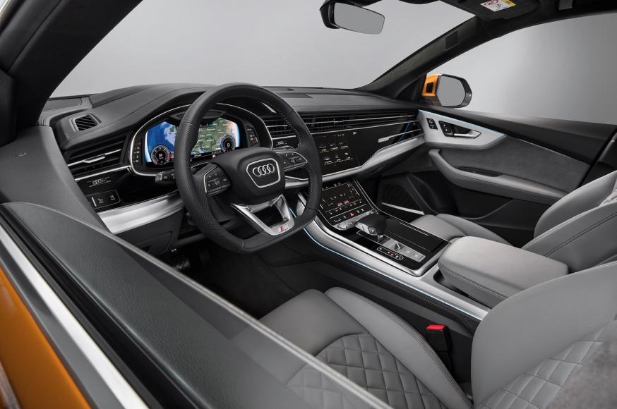 2019-Audi-Q8-front-interior-02