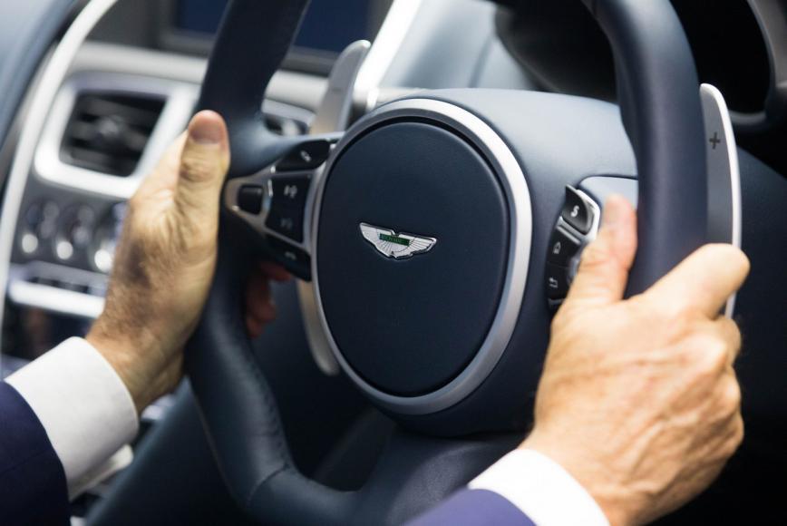 Aston Martin DBS Superleggera (2)