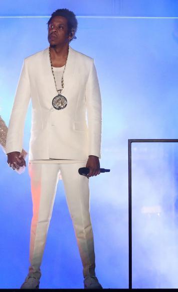 Givenchy will dress Jay (4)