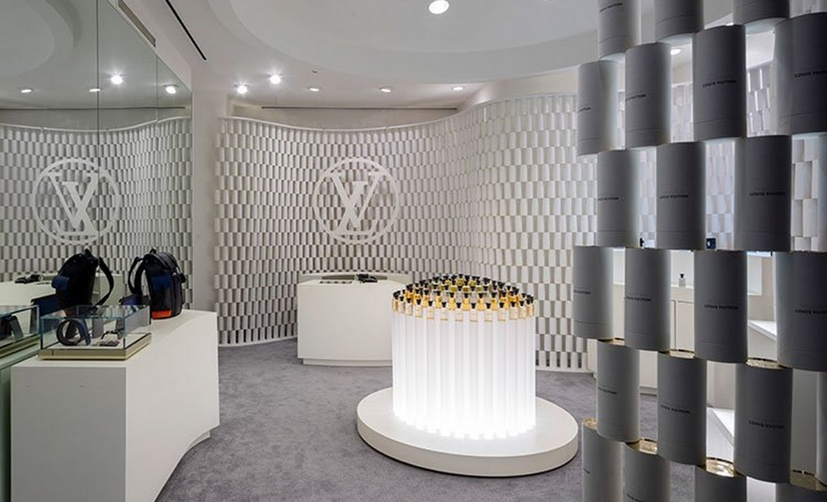 Louis Vuitton Has A Stunning Pop Up In Nyc That Is Made Of