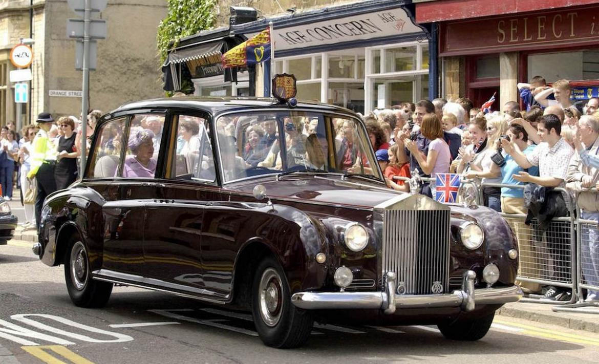 A 1950 Rolls Royce owned by the Queen and used by the ...