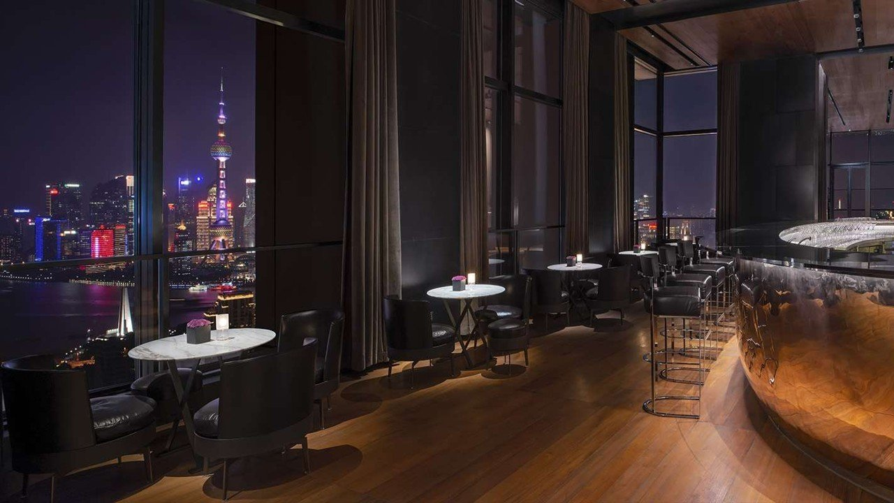 Take a look at the 5 most stunning rooftop bars in Asia -