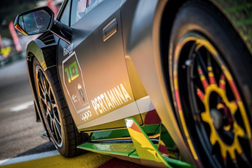 lambo-huracan-super-trofeo-r-10th-edition-3-4830