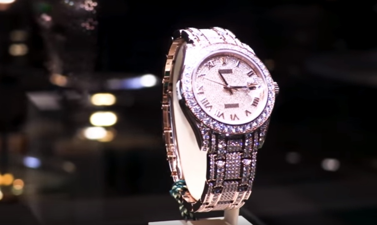 Video Inside The Biggest Rolex Showroom On Earth