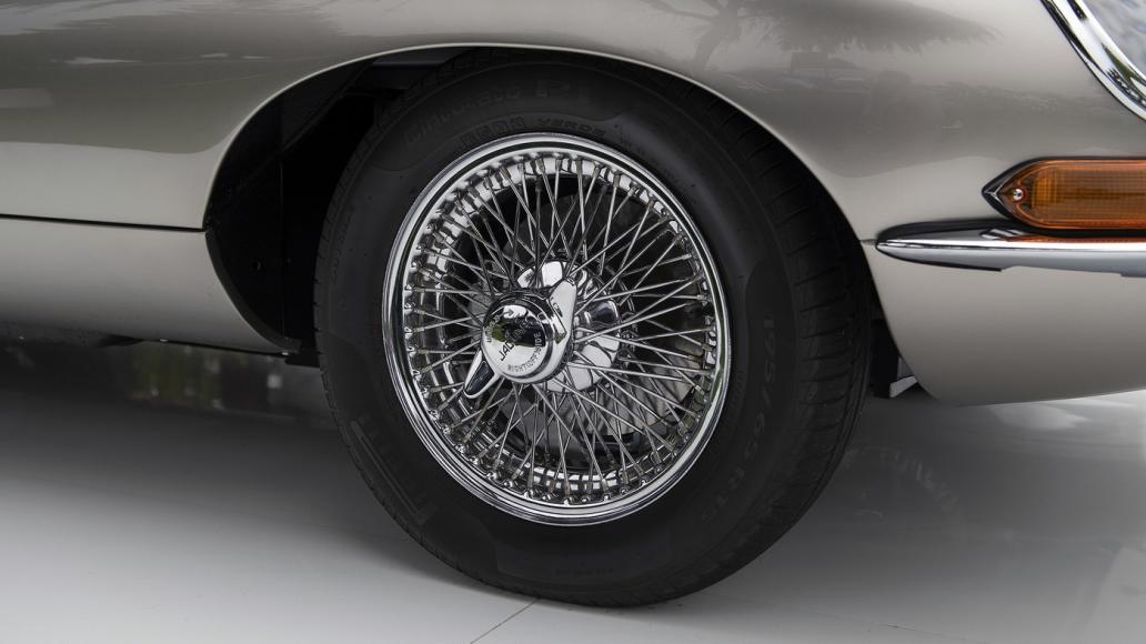 07-jaguar-e-type-zero-unveiling-1