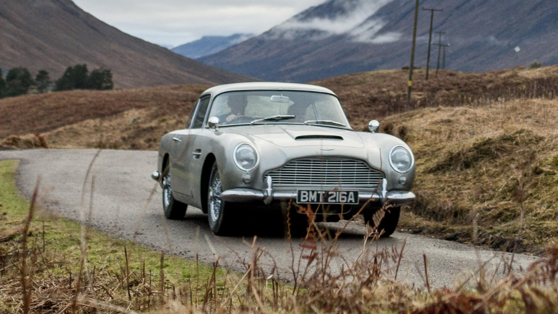 Aston Martin has partnered with James Bond producers to build Goldfinger replica DB5s – Each will cost $3.5 mil (gadgets included)