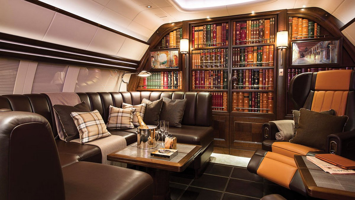 Most Expensive Mercedes >> Smooth leather floors, a library, armchairs and more ...