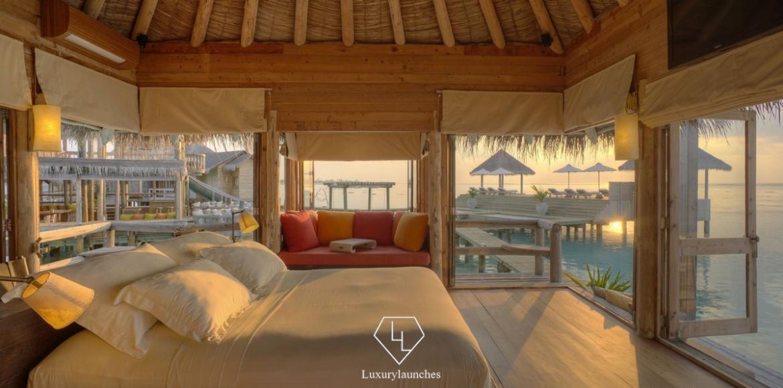 GLM_Private Reserve Master Suite Bedroom at Sunsrise