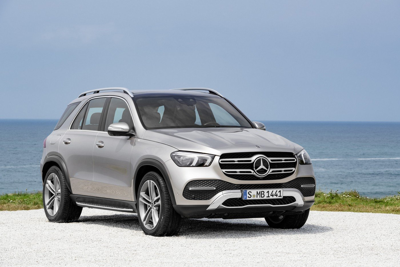 Cars With Third Row Seating >> The 2020 Mercedes-Benz GLE unveiled comes with Intelligent suspension, gesture tech, a hybrid ...