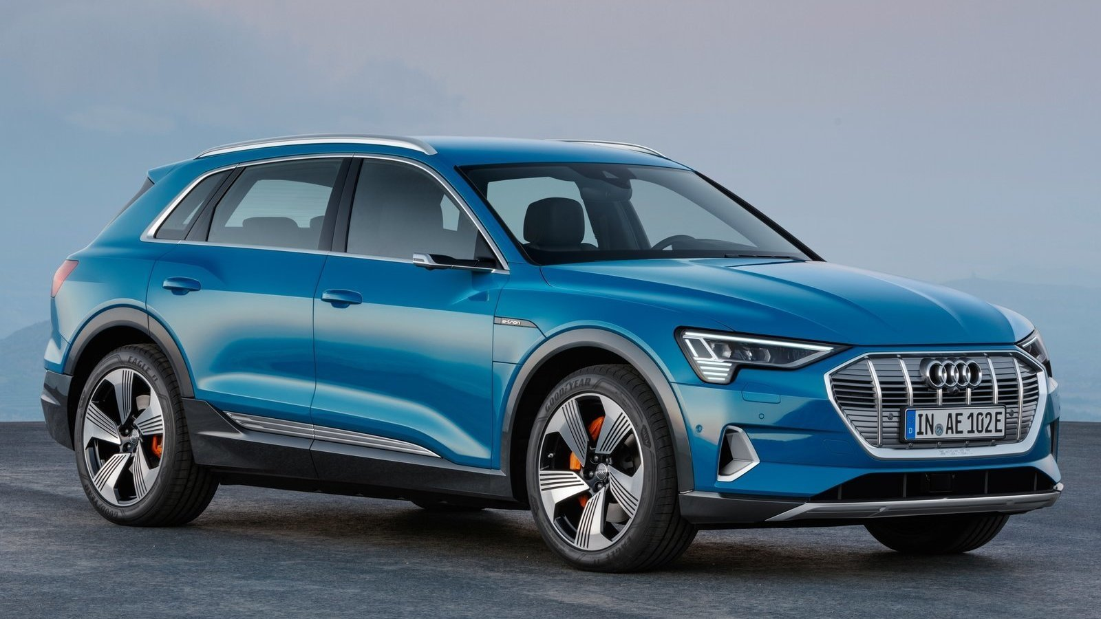 Audi's Tesla Model X killer is here – An all-electric SUV with a range of 200 miles