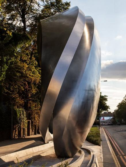 kensington-billboard-by-zaha-hadid (3)
