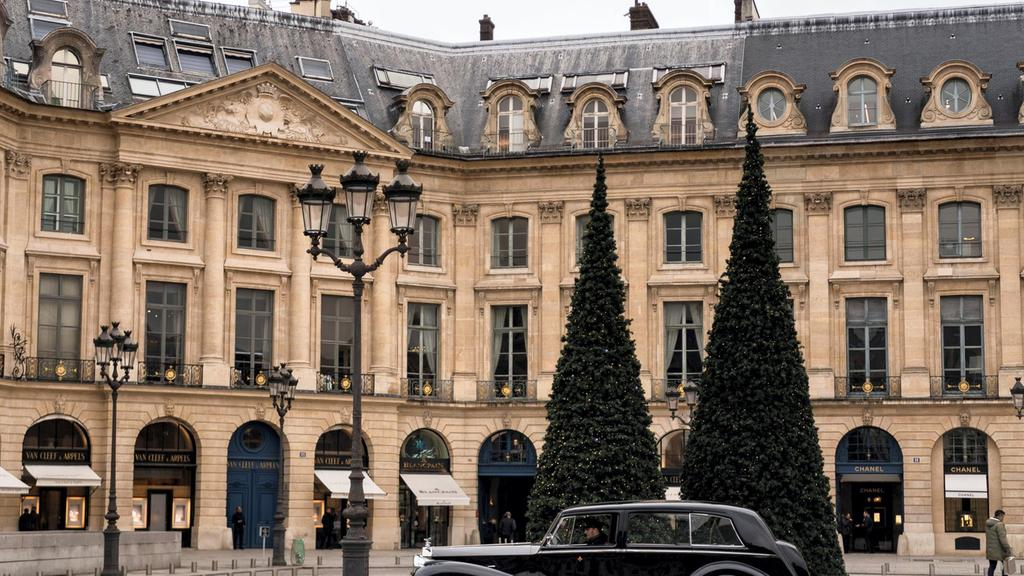 A Saudi princess was robbed of $930k in jewelry from her suite at the Ritz Paris