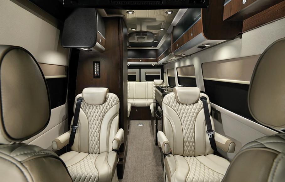 Mercedes Benz Airstream >> Airstream's new limited edition touring coach is more like